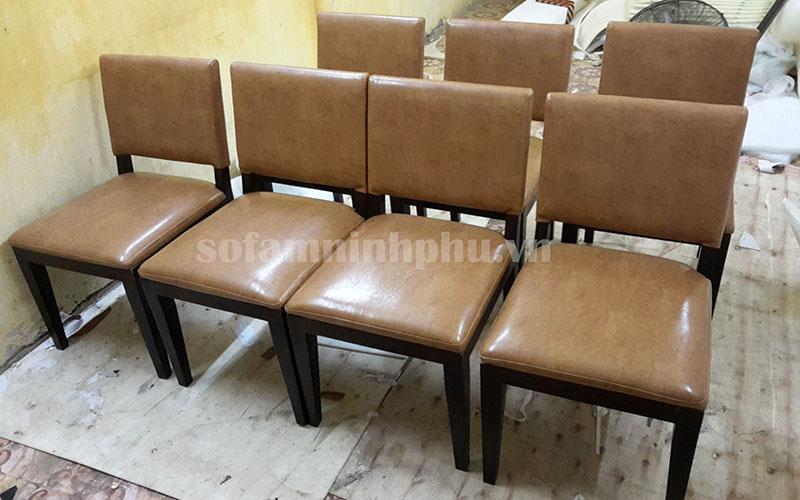Bọc ghế ăn 02